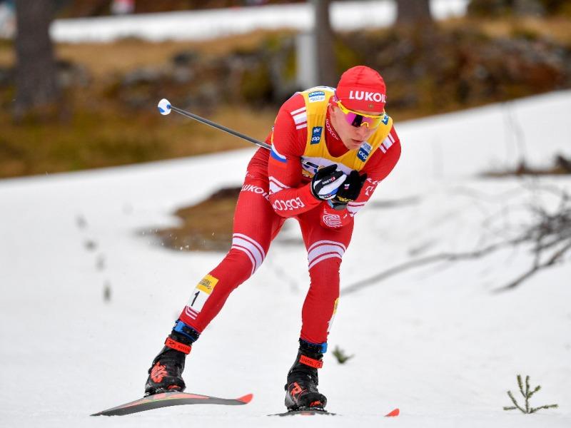 Александр Большунов отстоял лидерство на «Тур де ски», выиграв вторую гонку подряд