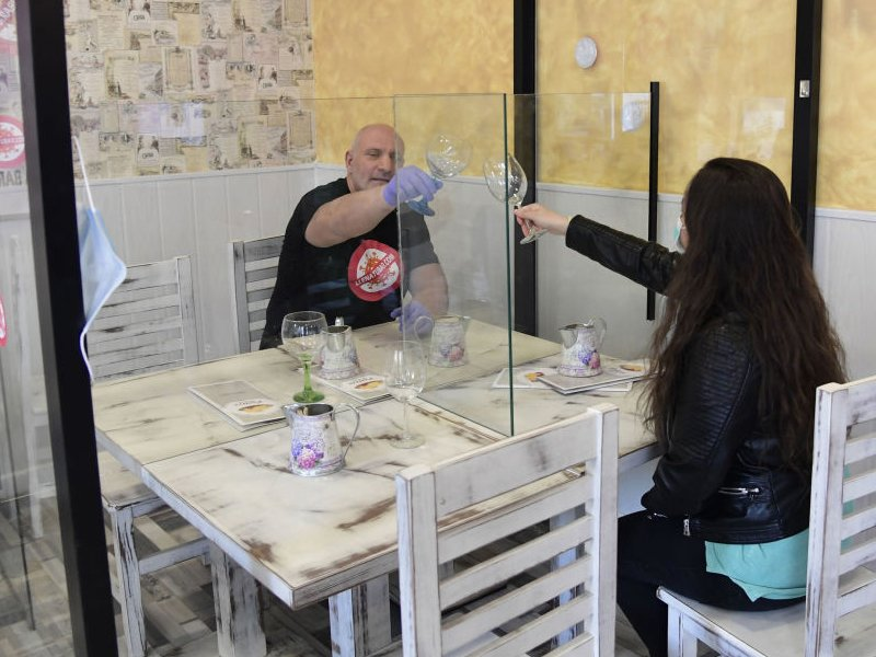 В Брянске кафе теперь будут работать с «коронавирусной» 50-процентной загрузкой