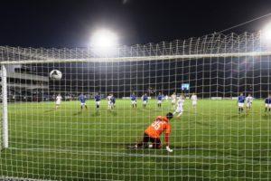 «Чайка» обыграла брянское «Динамо» благодаря пенальти, реализованному футболистом из Брянска