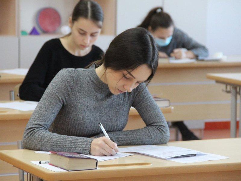 Итоговое сочинение 15 апреля напишут более 5,5 тысяч брянских выпускников