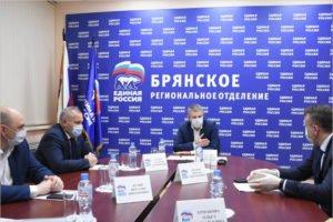 «Единая Россия»: Врачи помогают людям и сами нуждаются в помощи — это правильно и честно
