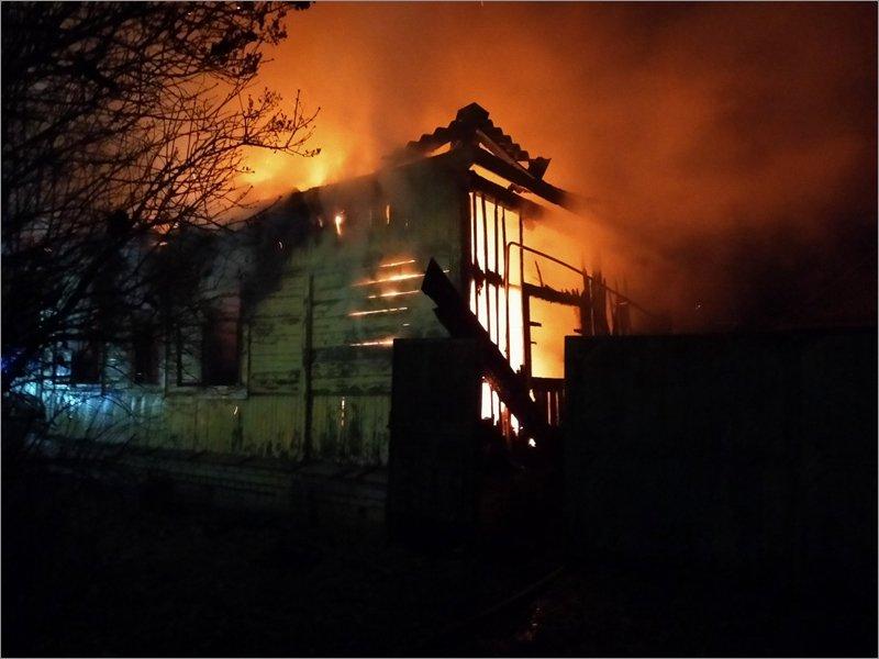 Пожар в частном доме в Карачеве унёс две человеческие жизни