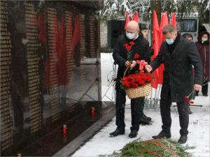 В карачевской деревне Масловка торжественно открыт мемориал погибшим на войне