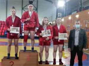 Брянские самбистки привезли из Серпухова восемь медалей чемпионата и первенства ЦФО