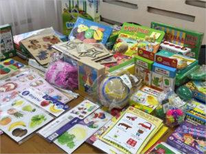 Депутат Брянской облдумы передал специальные развивающие наборы для детей с ОВЗ