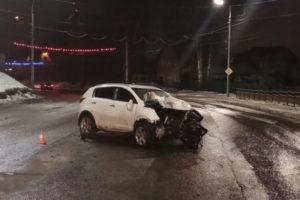 В результате ДТП на Городищенской горке пострадали двое молодых пассажиров