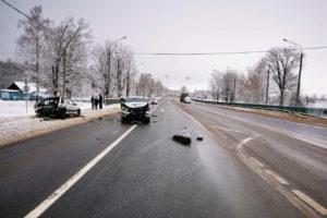 В Выгоничах иномарка влетела в ВАЗ. Пожилая пассажирка травмировала голову
