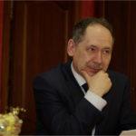 Депутат и директор брянского лицея №27 Игорь Афонин накануне суда попал в больницу с коронавирусом