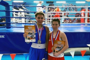 Брянские спортсменки привезли два «золота» с всероссийского мемориала Королёва по боксу