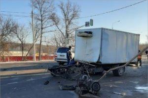Брянскую «ГАЗель» в ДТП под Тулой разорвало на две части