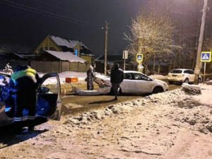 В Брянске иномарка сбила мужчину и протаранила встречную машину