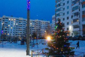 В центре Брянска объявили конкурс на лучшее новогоднее оформление дворов