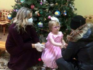 Истощённая 8-летняя брянская девочка накануне Нового года получила новую семью