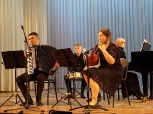 Брянские преподаватели ДШИ искусств посостязались в таланте и мастерстве