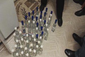В Брянской области накрыли крупных «производителей» контрафакта. Изъятое спиртное исчисляется тоннами