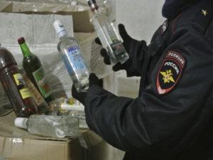 Трое жителей Брянска наказаны судом за полуторагодовую торговлю «палёным» акоголем