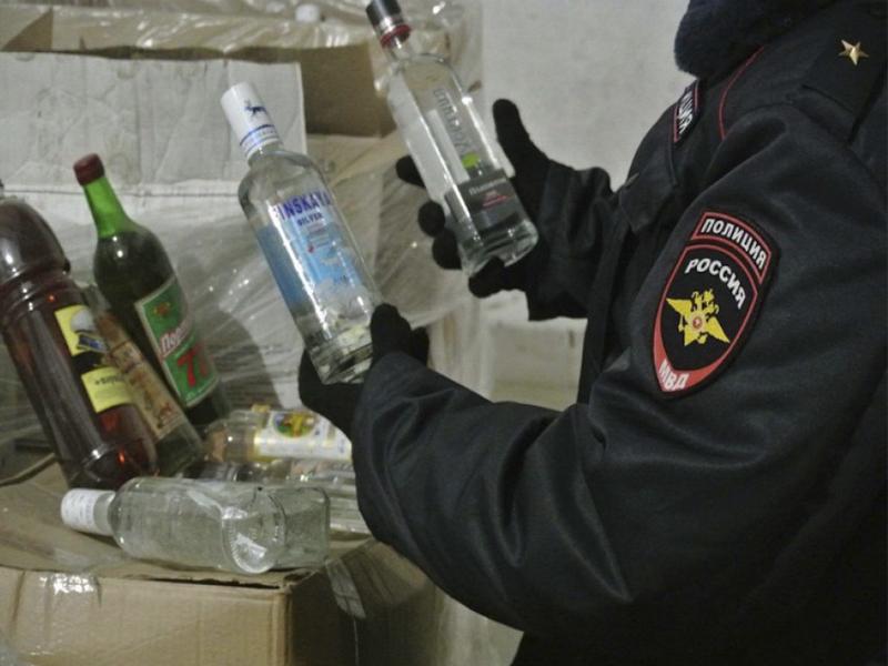Трое бутлегеров из Брянска отправятся отбывать сроки в колонии – апелляция не удовлетворена