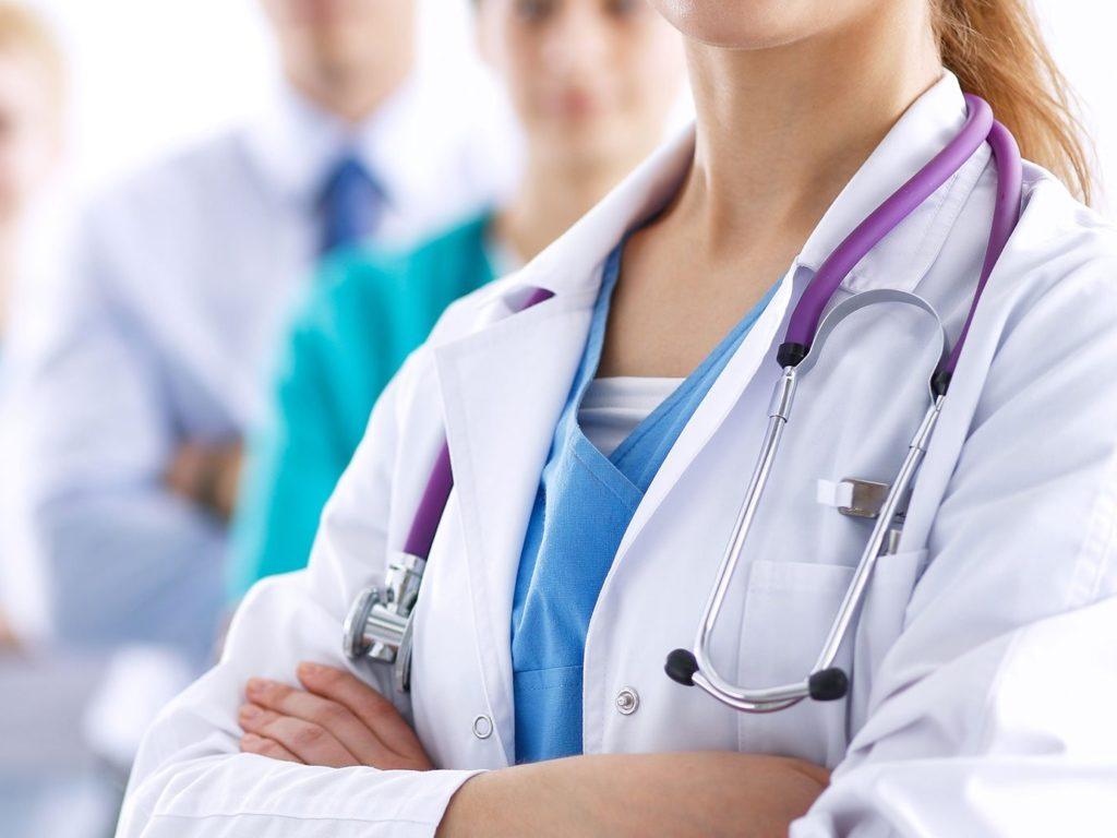 В брянские больницы и поликлиники пришли более ста «целевых» специалистов