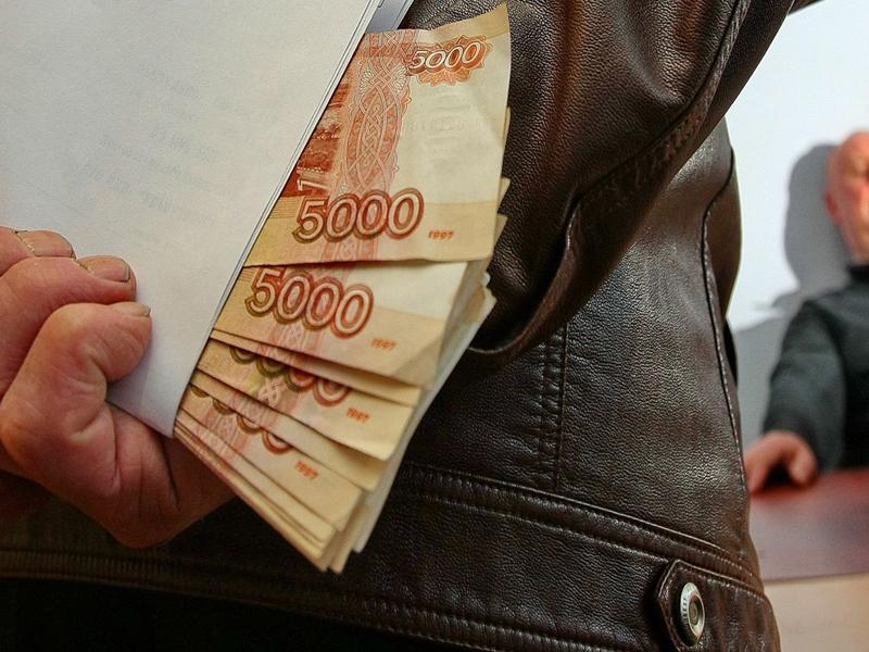 Замдиректора брянской фирмы предстанет перед судом за коммерческий подкуп в крупном размере