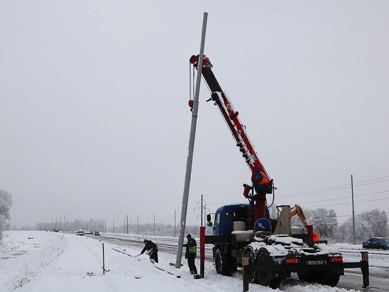 На дороге «Брянск-I — Брянск-II» начали монтировать наружное освещение
