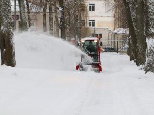 В Брянске ликвидируют последствия обрушившегося на город снегопада