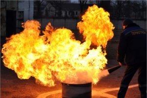 Для работников брянского завода «Термотрон» были устроены огненные соревнования