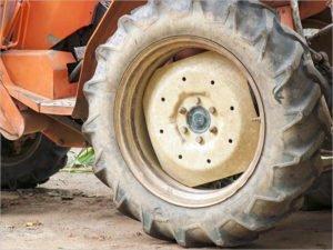 Тракторист из Суража пойдёт под суд за то, что раздавил минивэн с водителем