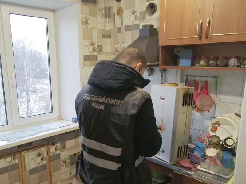 В Новозыбкове в квартире обнаружены тела двух женщин и ребёнка. Возбуждено уголовное дело