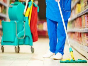 Директор клининговой компании в Брянске не был «чист» со своим работником