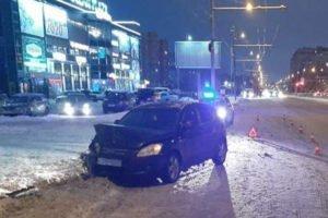 Столкновение двух легковушех в Брянске покалечило пожилую женщину-пешехода