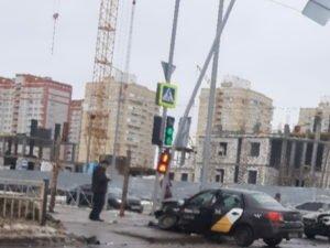 Иномарки в Советском районе столкнулись, не поделив дорогу