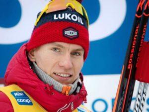 Александр Большунов поблагодарил команду после церемонии награждения в Оберстдорфе