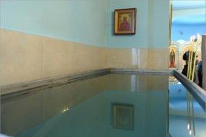 «Это не медицинские процедуры для закаливания организма» – митрополит Александр о крещенских купаниях