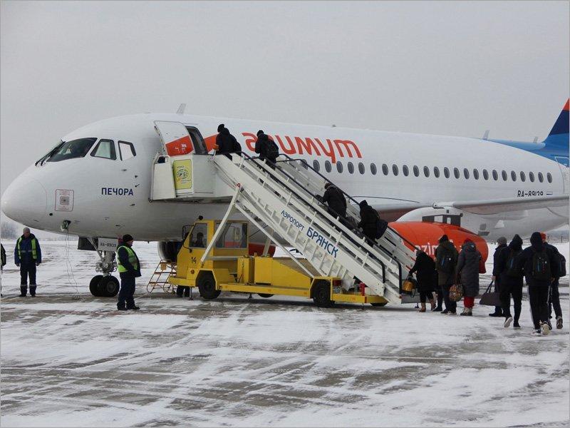 Авиакомпания «Азимут» начала продажу билетов на май из Брянска в Краснодар и Сочи