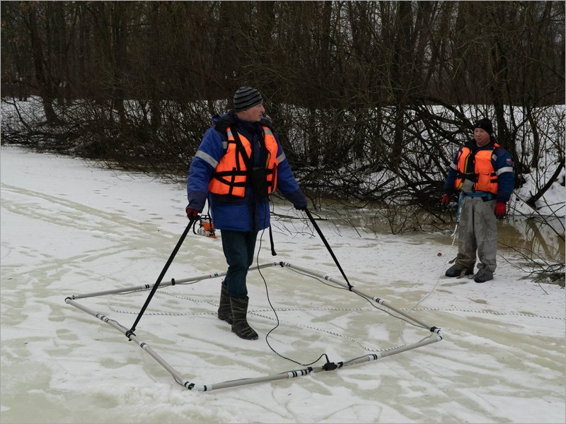 Брянские поисковики уточнили координаты затонувшего танка в Бежице около Литейного моста