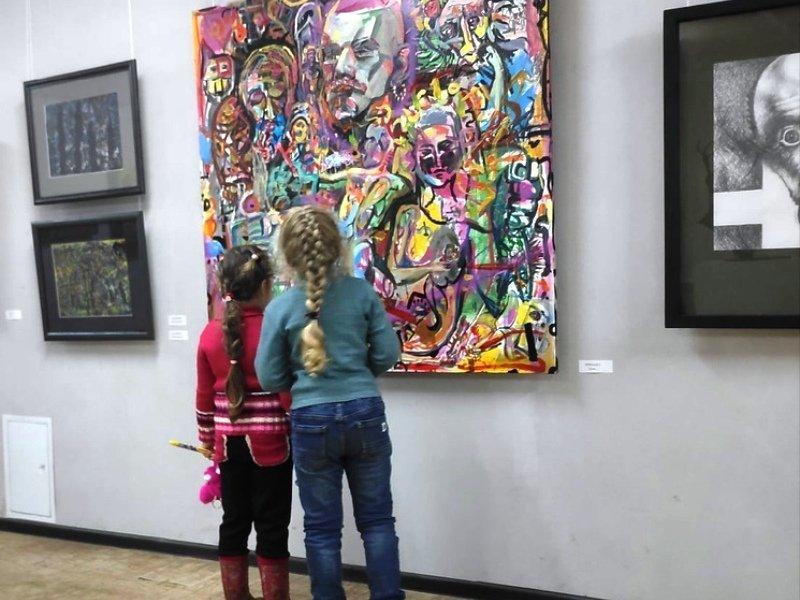 Открывшаяся в Брянске в ноябре выставка вызвала нешуточный скандал в январе