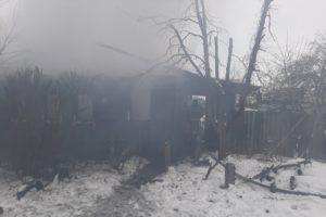 В Володарском районе Брянска сгорел жилой дом. О пострадавших не сообщается