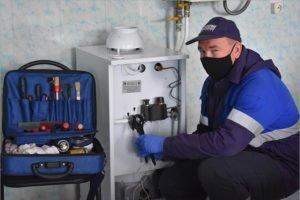 Брянские газовики бесплатно заменили оборудование малообеспеченным семьям