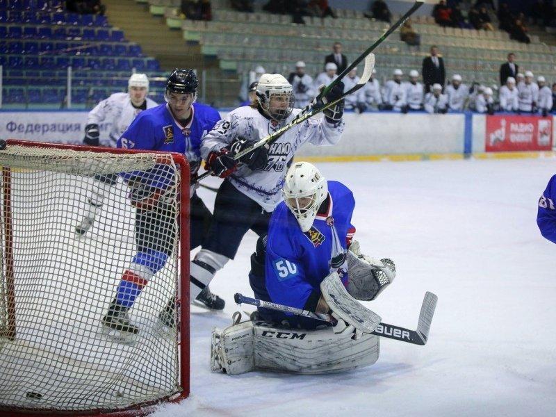 Хоккейный «Брянск» проиграл питерскому «Динамо-576», игроки устроили массовую драку