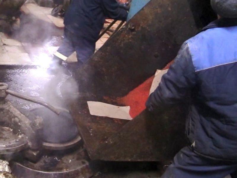 В Брянской области уничтожили более 5500 банок контрафактной красной икры