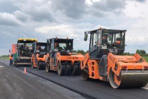 В Брянской области отремонтируют дорогу до границы с Калугой и еще девять «направлений» регионального значения