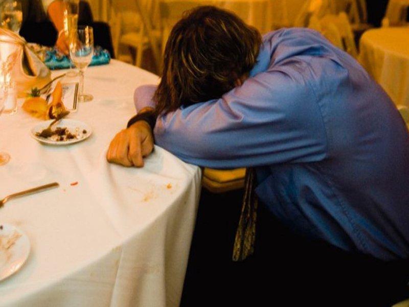 Деньги любят тишину: случайный знакомый в кафе увёл деньги с карты пьяного бежичанина, о которых тот проболтался