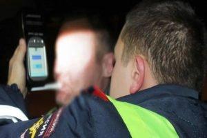 Попался невовремя: брянские гаишники отловили пьяного инструктора автошколы