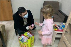 Волонтёр «Единой России» приобрёл мебель для нуждающейся семьи