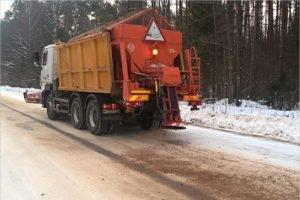Брянские дороги от снега круглосуточно чистят 77 отрядов