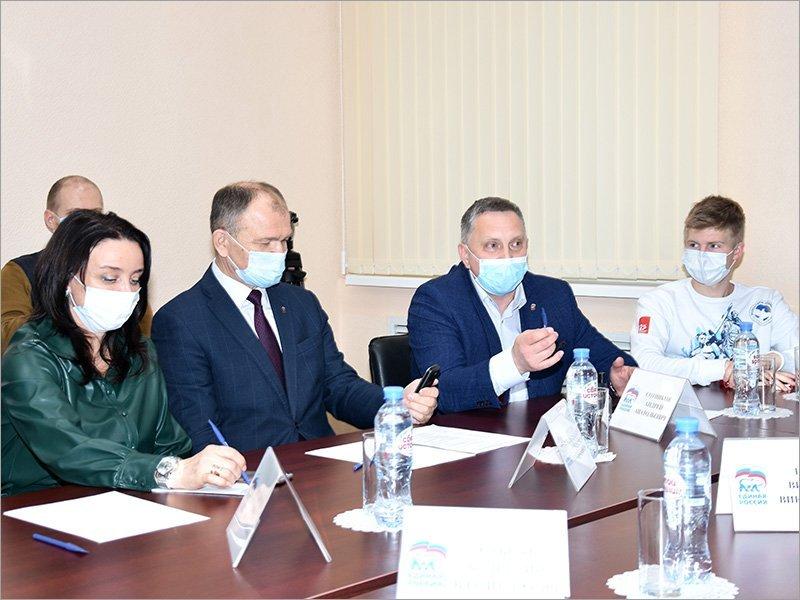 Брянские волонтёры «Единой России» выступают инициаторами новых проектов оказания помощи населению – Сотников