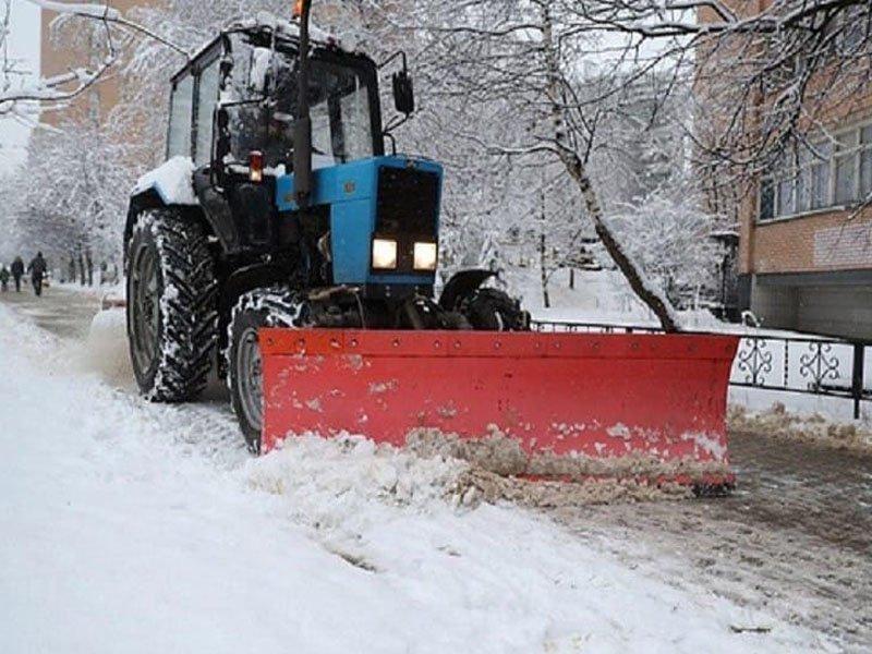 Брянские региональные власти требуют вывозить снег с дорог