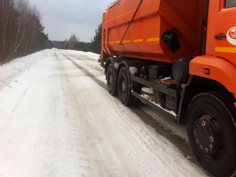 В Брянской области дорожники борются со снегопадом, потеплением и их последствиями