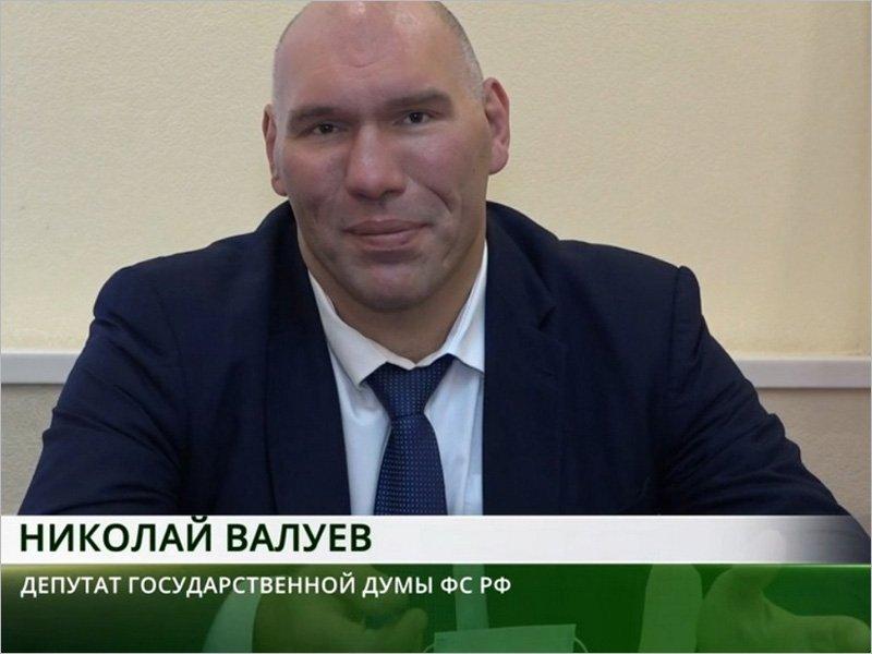 Депутат Николай Валуев позвал брянскую молодёжь на альтернативу