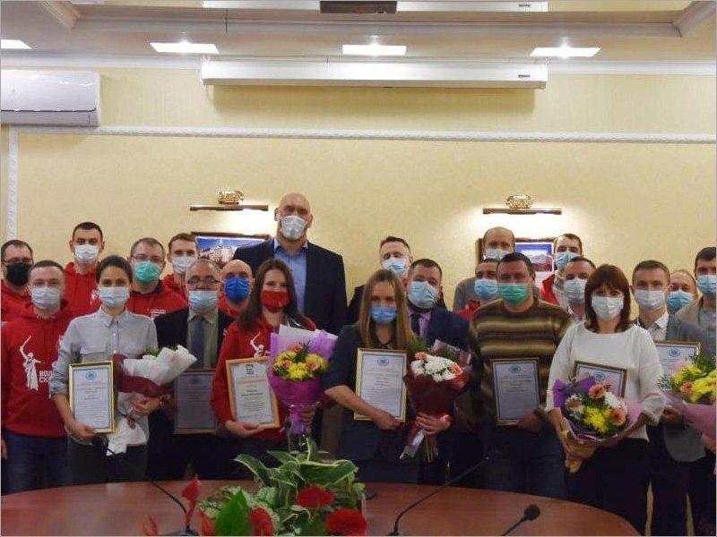 Брянскую региональную неделю Николай Валуев начал со встречи с волонтёрами
